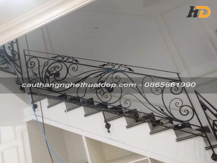 Mẫu cầu thang sắt nghệ thuật 09