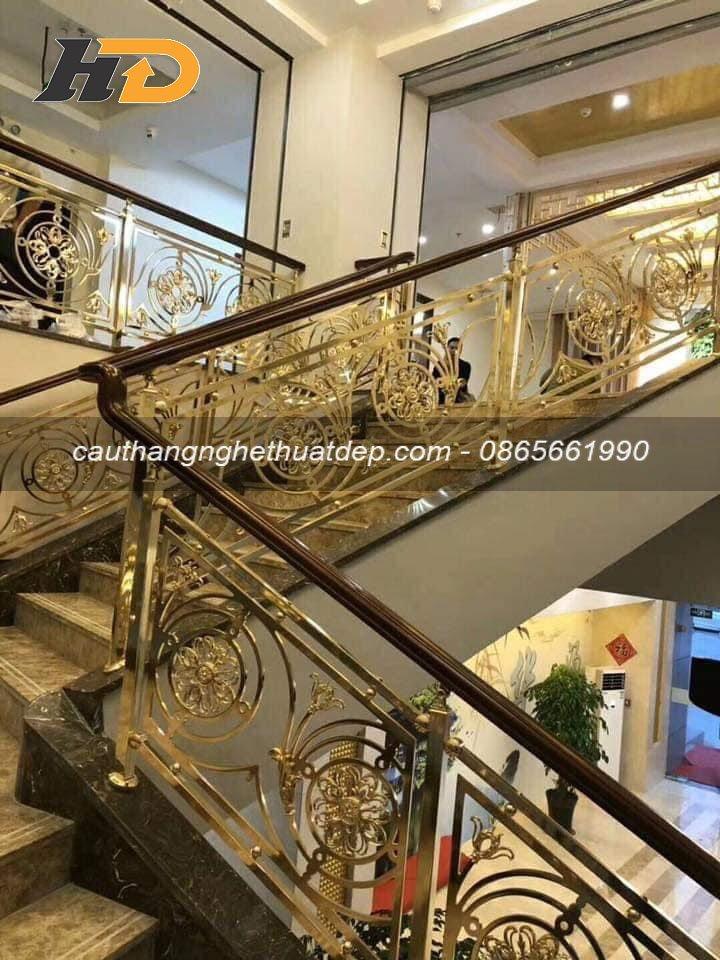 Mẫu cầu thang inox đẹp giúp nâng tầm giá trị ngôi nhà