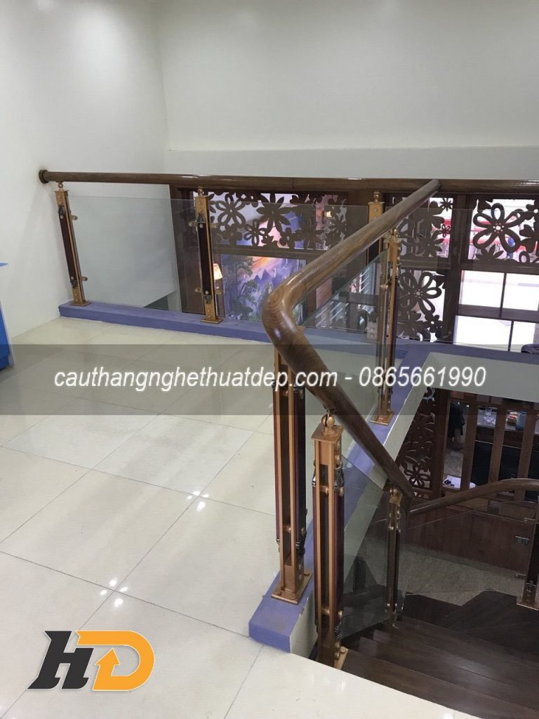 Lan can cầu thang sử dụng chân tiện hợp kim nhôm