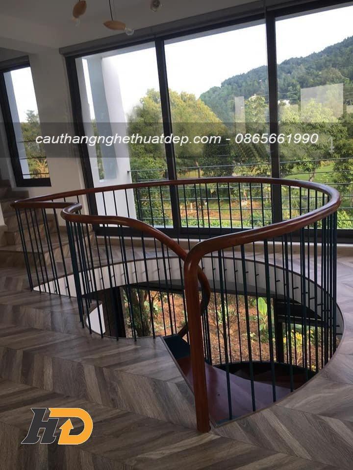 Lan can cầu thang với thiết kế độc đáo, đẹp mắt