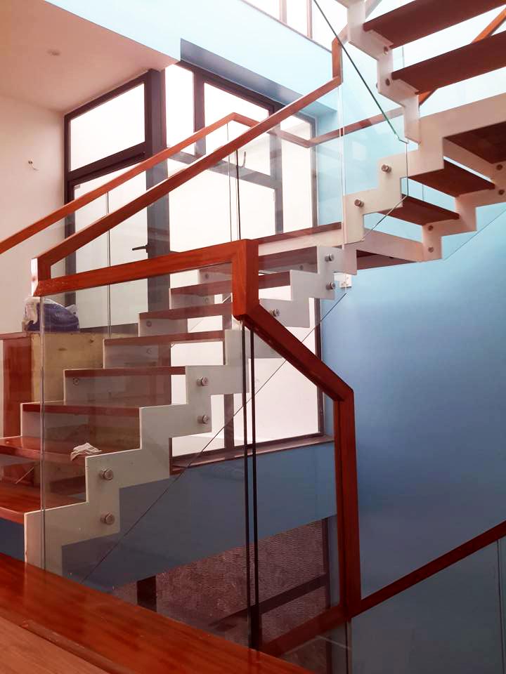 Chân tiện củ Pad mang lại không gian cầu thang thêm hiện đại
