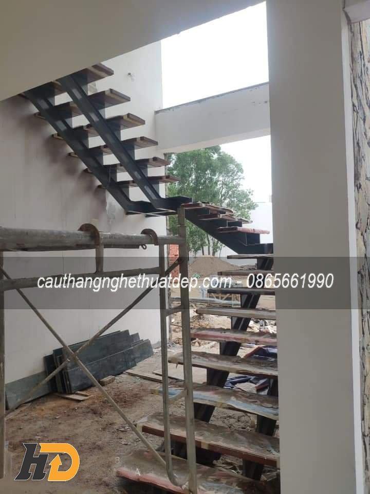 Lắp đặt cầu thang tại công trình
