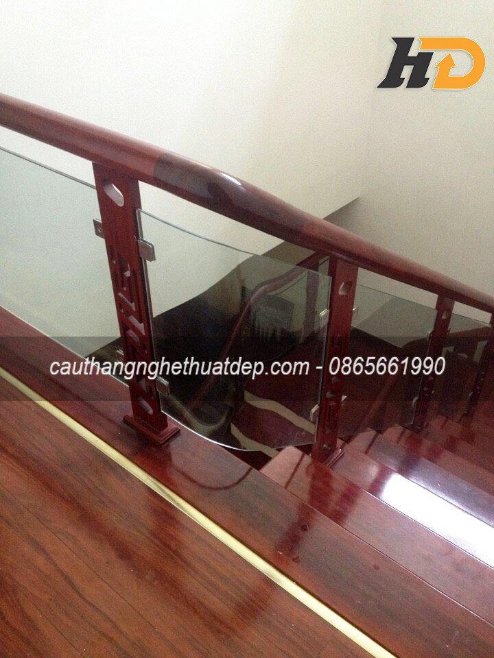 Không gian cầu thang mang vẻ đẹp đơn giản theo phong cách tân cổ điển