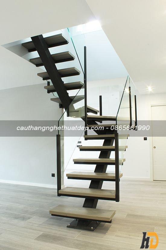 Cầu thang xương cá đẹp cho nhà phố