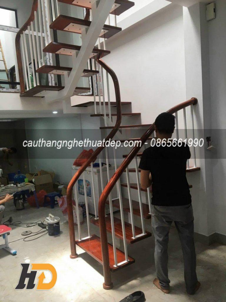 Giai đoạn 3 , vệ sinh và nghiệm thu công trình cầu thang xương cá tại Bắc Ninh